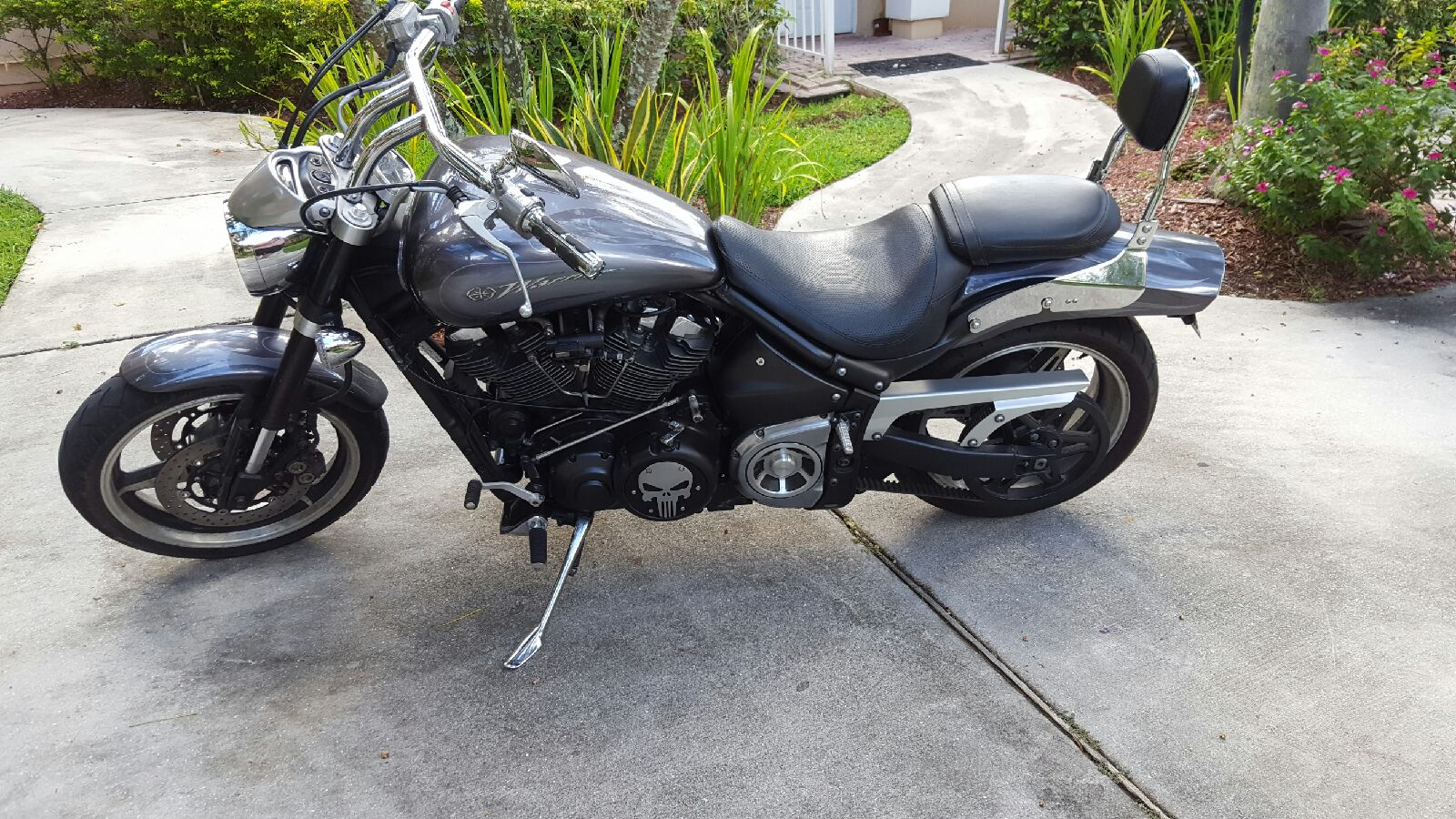 Click image for larger version  Name:Bike with cover 2.jpeg Views:49 Size:400.2 KB ID:213464
