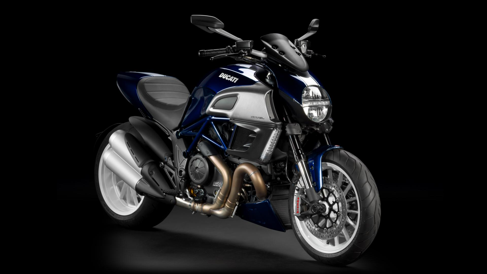 Click image for larger version  Name:Diavel_2013_Studio_BW_B01_1920x1080.mediagallery_output_image_[1920x1080].jpg Views:25 Size:123.5 KB ID:14421