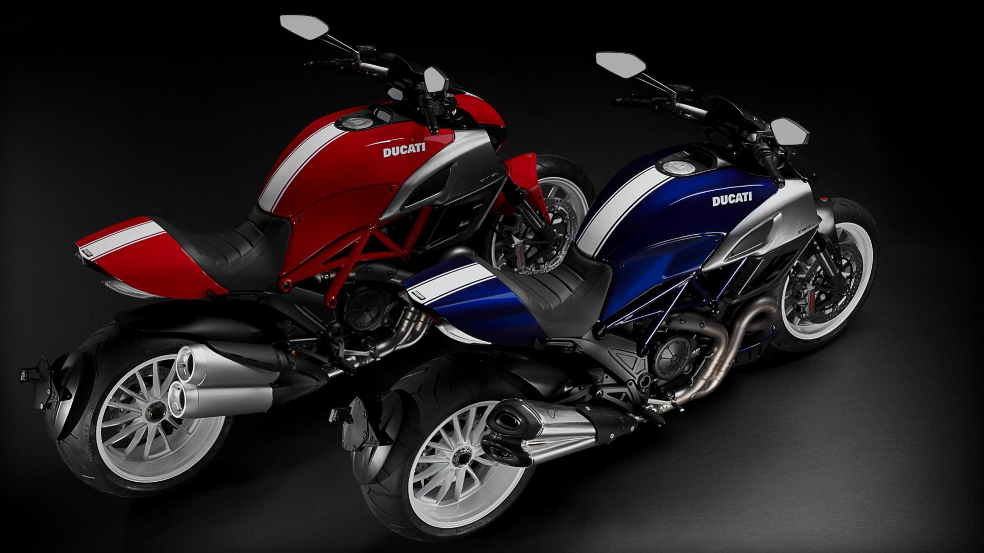 Click image for larger version  Name:Diavel_2013_Studio_RW-BW_Combo01_1920x1080.mediagallery_output_image_[1920x1080].jpg Views:68 Size:168.0 KB ID:14424